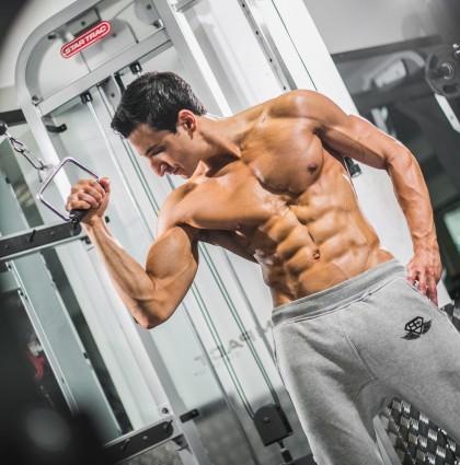Yahya – RIPPED Models muscle man