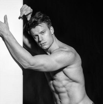 Laszlo, fitness model