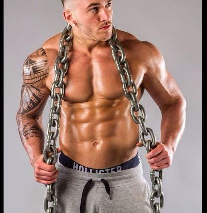 Conna F, elite fitness model and bodybuilder