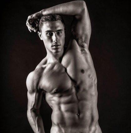 Tom V, underwear model