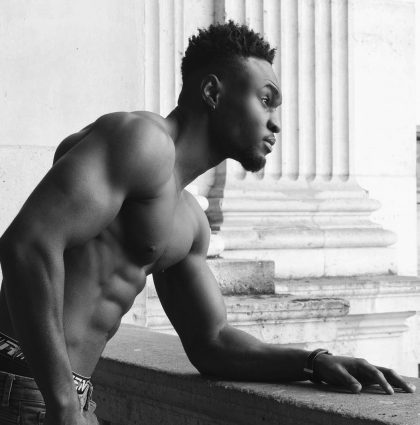 Olatunde A, fitness model