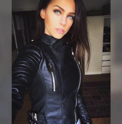 Amanda E, fitness model